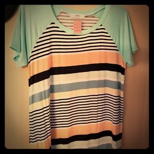 Ladies boutique shirt size large